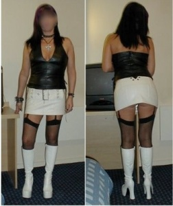 Perfect outfit for a first date. Classy, individual AND sexy!
